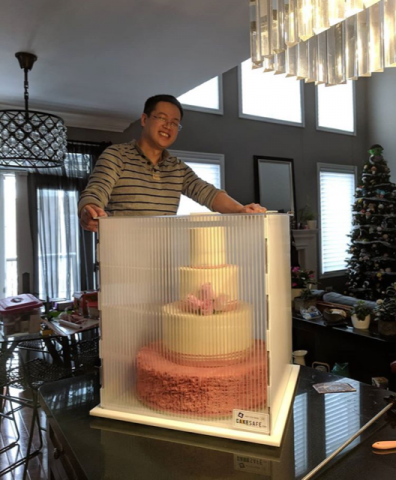 How to move a large cake?