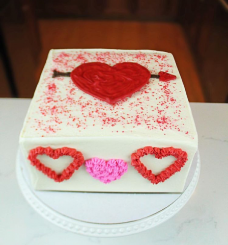 CakeSafe sells the best cake disks for sharp icing.