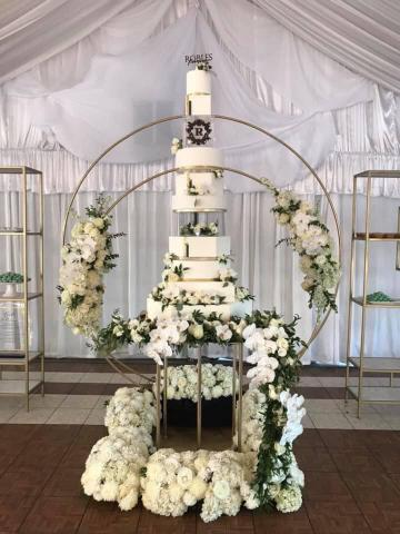 How to deliver a huge wedding cake.