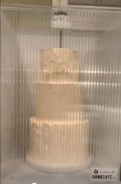 Worry-free cake delivery